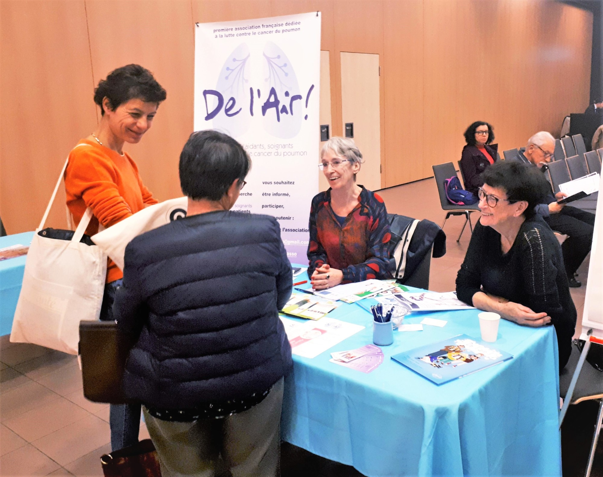Soirée grand public organisée par le cancéropôle Lyon Auvergne Rhône-Alpes CLARA autour de la recherche clinique en cancérologie